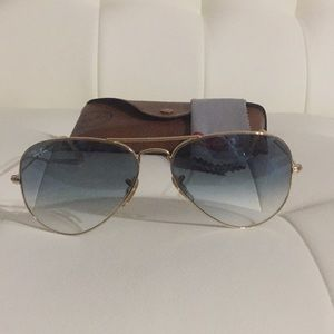 100% Authentic Ray Ban Sunglasses 🦛